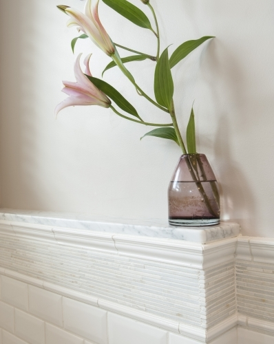 Mantle with flower